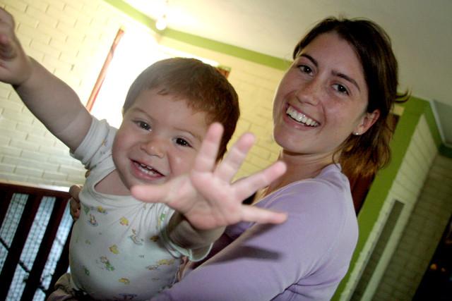 VE Volunteer with child.